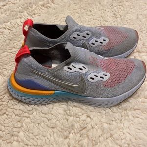 Nike Epic React Flyknit 2 Running Shoes Youth Size 4